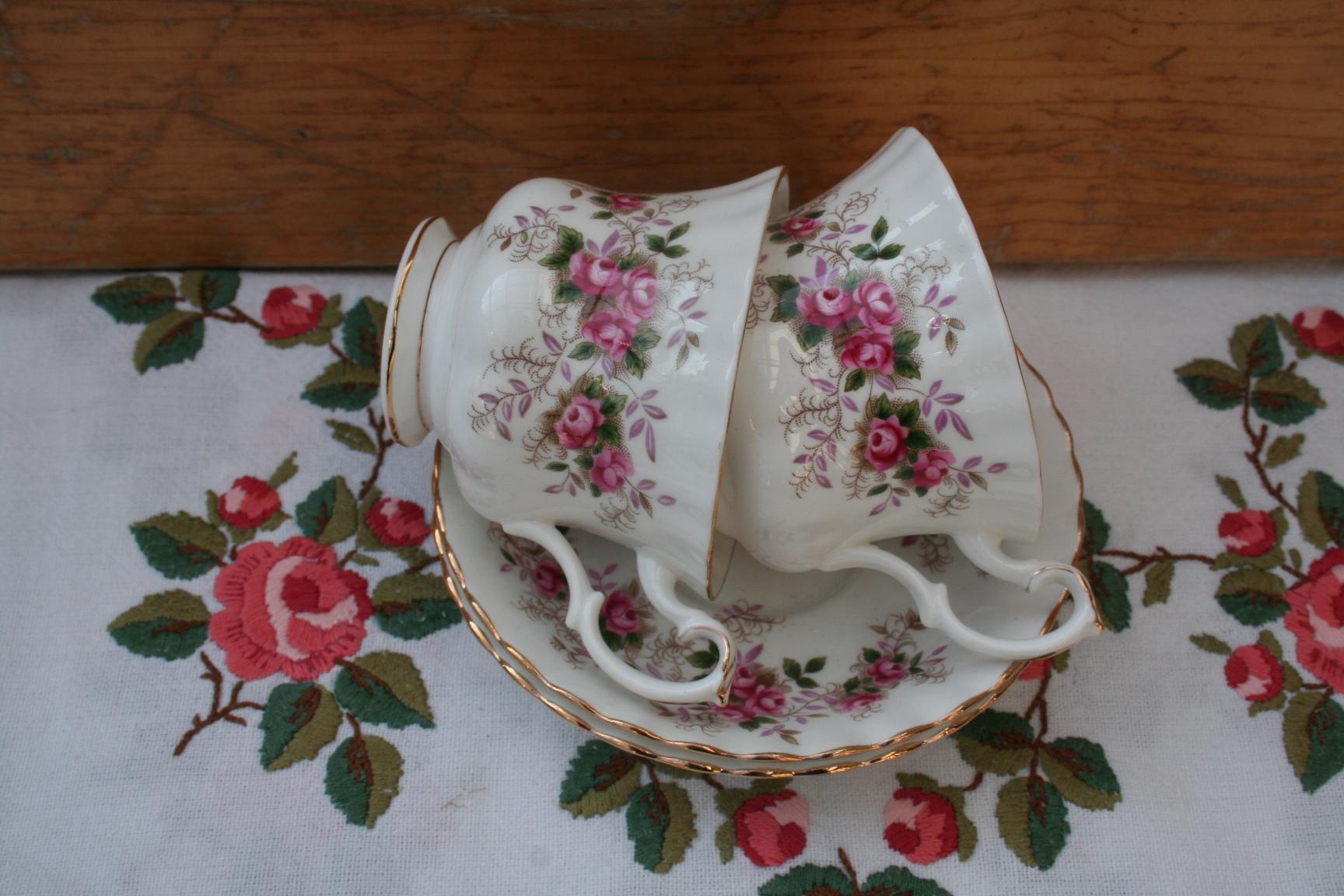 Royal Albert Servies Lavender Rose.Herenkopje Royal Albert Decor Lavender Rose Het Derde Servies
